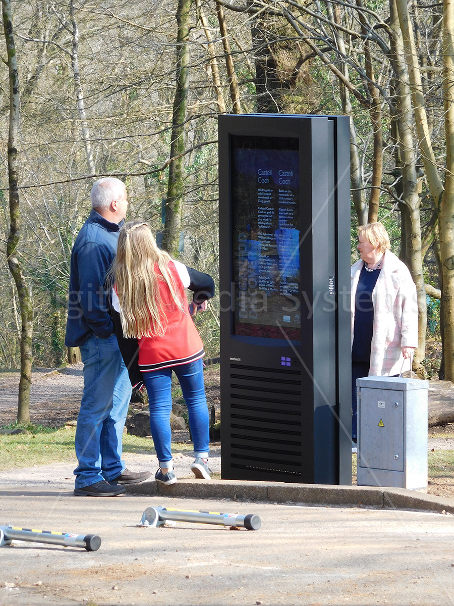 Electronic Display for communicating messages outdoors.