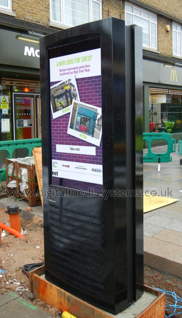 London Borough of Bexley, Sidcup High Street. Outdoor Digital Signage solution powered by squareVIEW software.