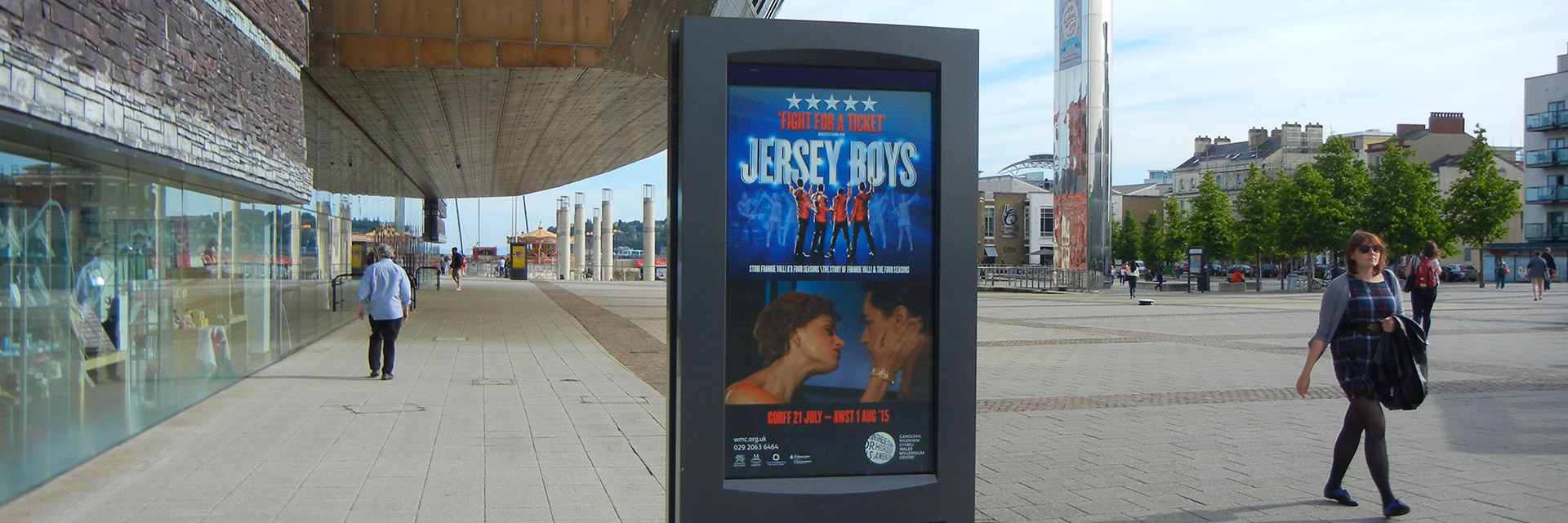 Wales Millennium Centre, 2 65 Inch Double Sided Outdoor Screens