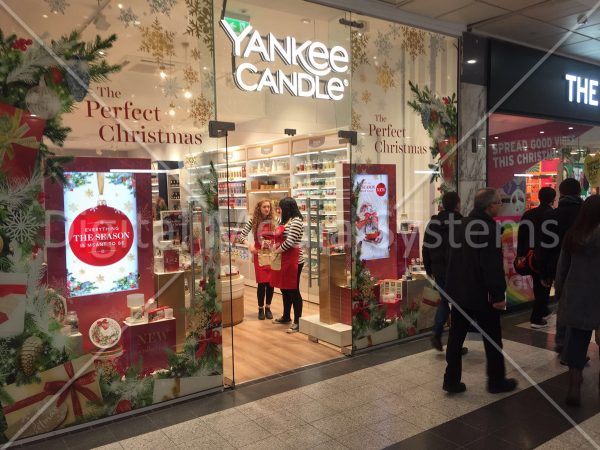 Yankee Candle – Arndale, Manchester. 49″ High Bright displays