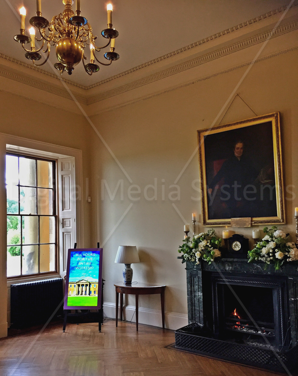 Digital Screen for Eye catching messages