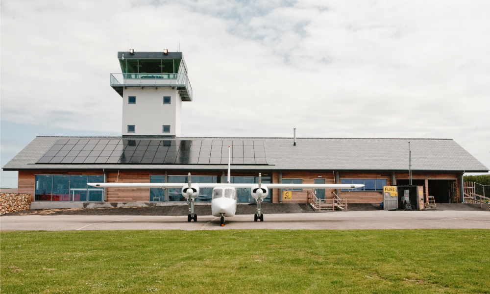 Land S End Airport Gets Squareview Digital Signage